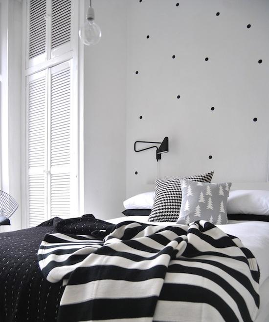 black-and-white-bedroom-design-03